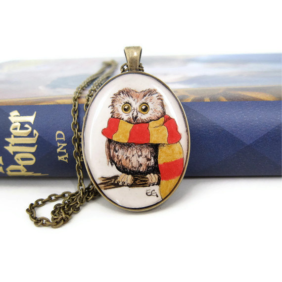 Owl Jewelry, Harry Potter Necklace, Harry Potter Jewelry, Resin Necklace, Gryffindor, Hogwarts